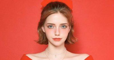 Chuu German model Chloe looks like an elf.